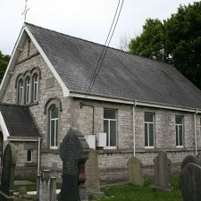 Cynfaen Memorial Chapel Calcoed