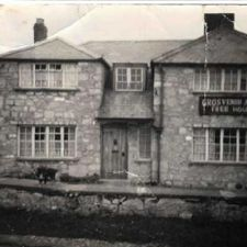 The Crooked Horn was originally called The Grosvenor Arms. Image date - unknown