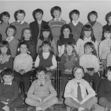 BRYNFORD SCHOOL About 1970 BACK ROW : Ieuan Hughes, Billy Polentine, Wayne Oare, David Hughes, Chris Banford, Maurice Smith, Granville Dodd SECOND ROW : Karen Jones, Andrew Wilson, Lorraine Evans, Debbie Smith, ? , Ann Owen, Caroline Watkin, Clwyd Spencer THIRD ROW : Denise Parry, Ann Hughes, Wendy Kila, Alison Morris, Angela Oare, Cheryl Hughes FRONT ROW : Colin Morris, Mark Peterson, Clive Hughes, Roger Morgan