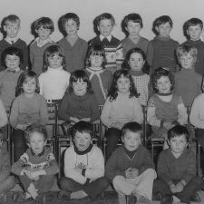 BRYNFORD SCHOOL EARLY 70s BACK ROW : Mrs Marsden, Berwyn Spencer, Granville Dodd, Michael Birch, Mark Peterson, Paul Beaumont, Paul Davies, Jeffrey Owen SECOND ROW : Gary Wilson, Simon Davies, ?, Julie Payne, Ann Owen, David Haltoffer, Johnny Vaughan THIRD ROW : Sian Harrison, Anwen Hughes, Ann Watkin, Sandra Davies, ?, Wendy Morris FRONT ROW : Richard Morris, Richard Hughes, ?, Mark Payne, Rodney Peterson, David Kila